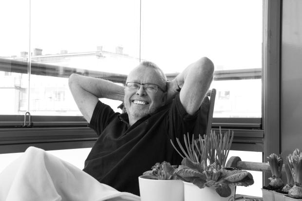 Curt Haglund, ser ut som en nöjd säljare Nissastrand