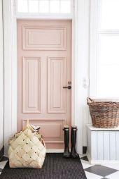 ller varför inte måla entrédörren i en ljuvligt pudrig nyans?