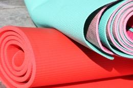 yoga- och träningsmattor