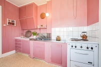Härligt kök i rosa för dig som gillar retro