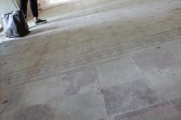 Golvet i Doktorsvillan är vackert men i dåligt skick