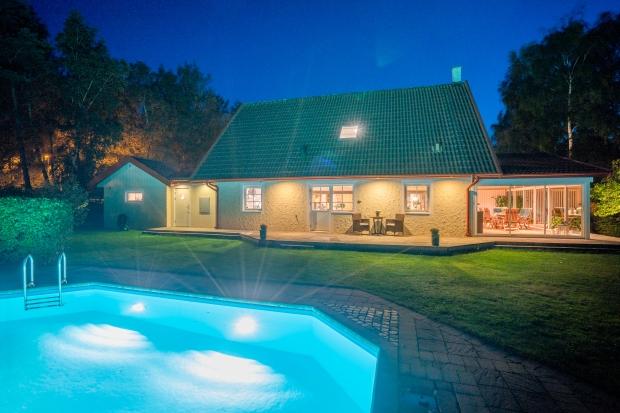 Hus med pool på Friggs Gränd 2 i Frösakull, Halmstad