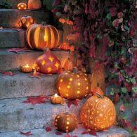 Fina pumpor till trappan hemma! Olika mönster ger effekt! Bilden är lånad från Pinterest och återfinns med länk på vårt konto där.