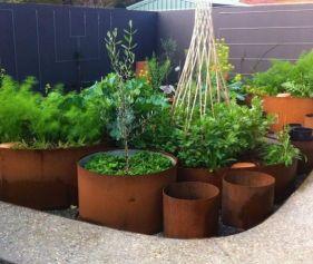 Fint med odlingslådor och krukor i olika storlekar! Bild: Gumtree.com