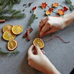 Apelsiner är tacksamma att pynta med! Bild lånad från ica.se